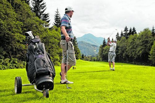Gleich vier Golfplätze stehen im Kaiserwinkl zur Verfügung.Tourismusverband Kaiserwinkl