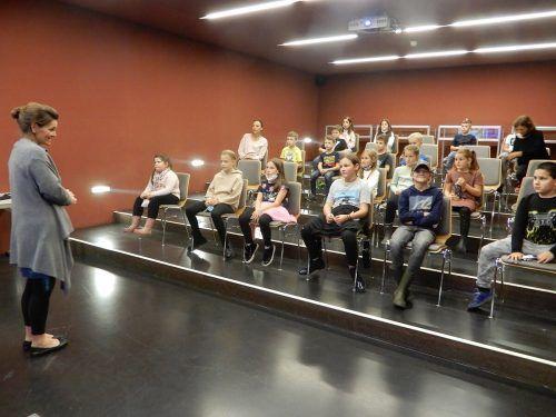 Im Kino durften die Schüler ihr Wissen in Sachen Tierwelt testen.