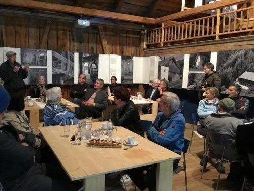 """Im Klostertal Museum wurde beim Erzählcafé unter dem Titel """"Jugend unter dem Hakenkreuz"""" angeregt diskutiert.Museumsverein Klostertal"""