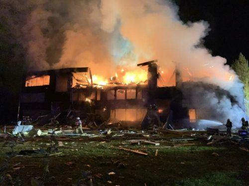 In der Nacht auf den 18. Oktober 2020 verwandelte eine Explosion die Schule in einen brennenden Trümmerhaufen. vlach