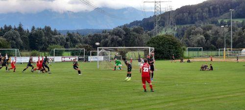 In einem spannenden und kampfbetonten Spiel setzten sich die Sattaaser Jungs verdient durch.SV Satteins /Michael Koschat