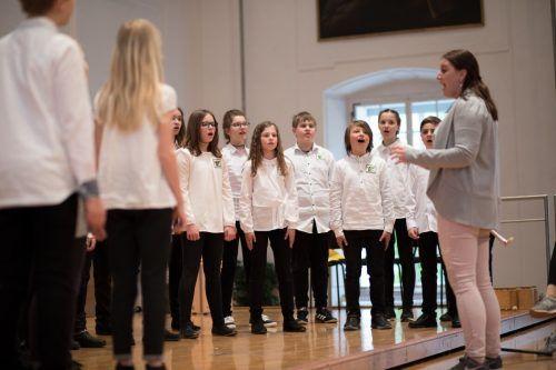 Insgesamt sind rund 100 Schüler der Musikmittelschule Bergmannstraße beim Konzert dabei.lcf