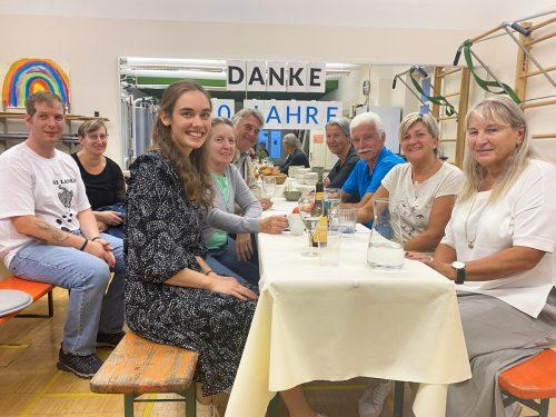 """Langjährige Mitglieder von """"Berlinger Fitness Training"""" kamen zur Jubiläumsfeier ins Fitnessstudio in Nüziders."""