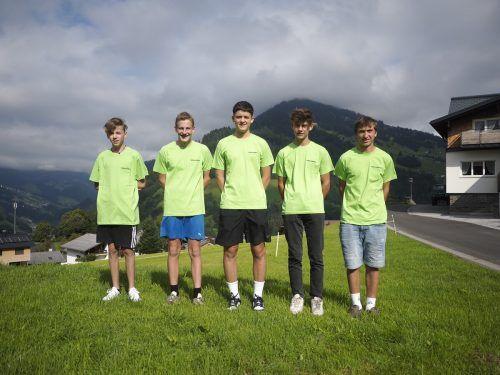 LICHT & WÄRME begrüßt fünf Nezugänge, insgesamt beschäftigt der Elektrotechniker 13 Lehrlinge.