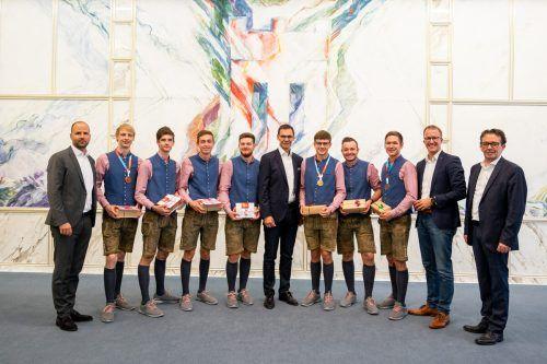 Medaillengewinner mit LH Markus Wallner, LR Marco Tittler, LR Christian Gantner und WK-Präsident Hans Peter Metzler. VLK/Serra