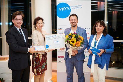 Michael Prock (2.v.r) mit Christoph Neumayer (v.l., wissenschaftlicher Senat, IV), PRVA-Präsidentin Karin Wiesinger und Sabine Fichtinger.HÖrmandinger
