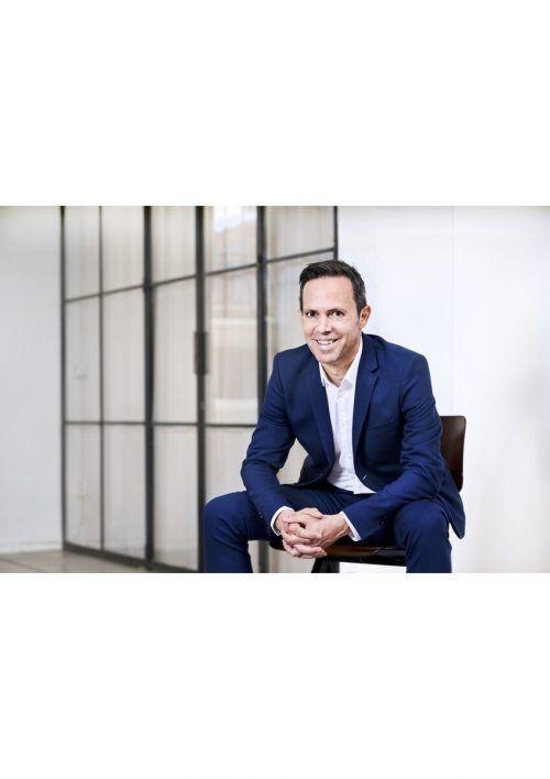 Nach mehrjähriger klinischer Tätigkeit wechselte Michael Böhler in die Biotechindustrie und ist seit 2020 Vice President Global Commercial und General Manager bei Biontech.