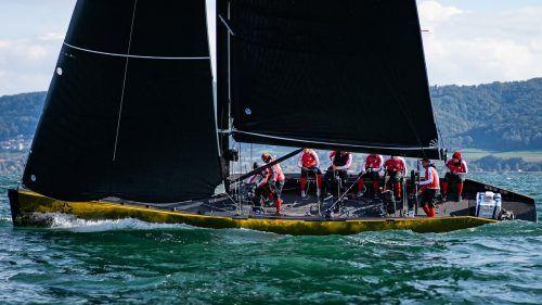 Nach vier der sechs Wettfahrten in der Qualifikation beim dritten Testevent am Neuenburger See führt Österreich mit drei ersten Plätzen und einem dritten Rang die Zwischenwertung an. SSL