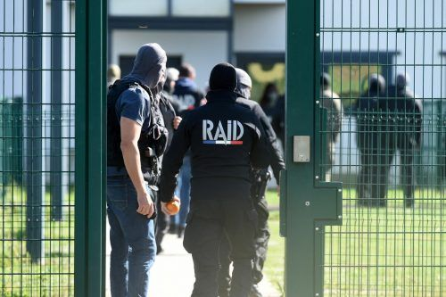 Nach vier Stunden des Verhandelns gab der Häftling schließlich auf. afp