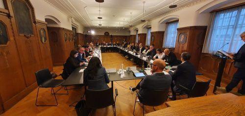 Neue Sitzordnung in der Stadtvertretungssitzung. VN/MIP