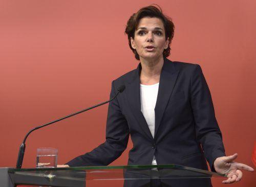 Pamela Rendi-Wagner plant eine Videobotschaft nach Hohenems. APA