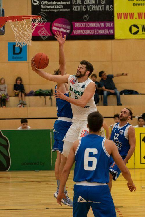 Panagiotis Zaraidonis lieferte ein bärenstarkes Ligadebüt im Trikot der Dornbirn Lions ab und erzielte 30 der insgesamt 88 Punkte der Gastgeber. VN/Stiplovsek
