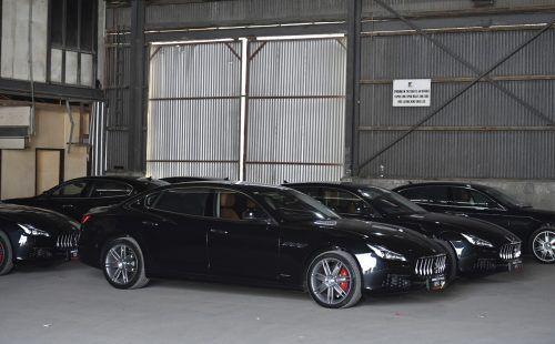 Papua-Neuguinea bleibt auf seinen Luxusautos sitzen. AP
