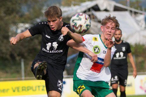 Pascal Dietrich (r.) war beim 2:1-Sieg des FC Lauterach gegen den Dornbirner SV mit zwei Treffern der Matchwinner.steurer
