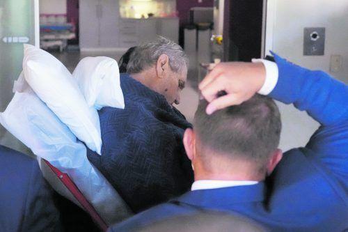 Präsident Milas Zeman wurde am Sonntag in ein Krankenhaus eingeliefert.AP