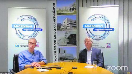 Primar Reinhard Folie (r.) und Oberarzt Hannes Lienhart ließen die Med Konkret-Teilnehmer virtuell intensiv an der Notfallmedizin teilhaben. vn