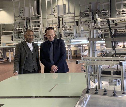 """Rajat Khare und Partner Günter Grabher setzen hohe Erwartungen in das Joint Venture """"24sens"""" und die geplanten aktiven Medizinprodukte. FA"""