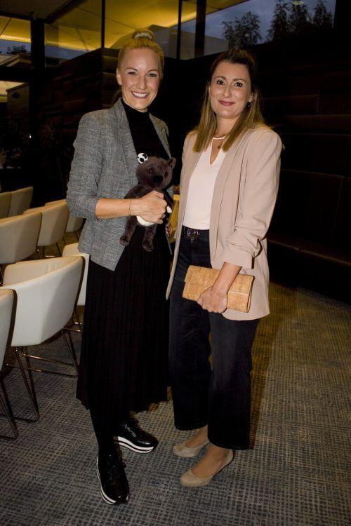 Referierten hervorragend: Ingrid Hofer (l.) und Clarissa Steurer.