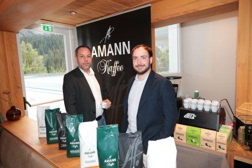 Roland Kuster und Florian Amann mit Kaffeespezialitäten.