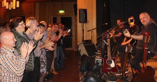 Standing Ovations am Ende des Krauthobel-Gastspiels vor zwei Jahren im Thalsaal. Jüri & Co. werden alles daransetzen, diesen tollen Abend noch zu toppen. stp