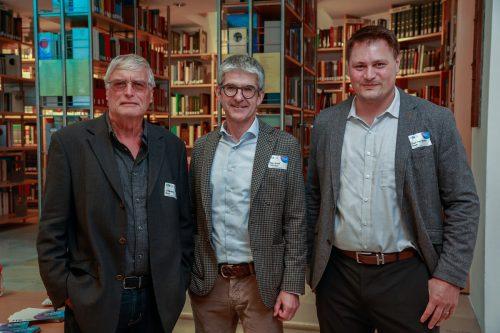Symposium-Unterstützer Herbert Blum (l.) sowie Ernst Thurner und Martin Blum.