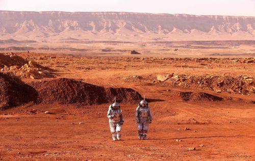Trockentraining für eine Marsmission: Zwei Astronauten aus Israel und Europa proben schon mal in der Negev-Wüste für den großen Tag. AFP