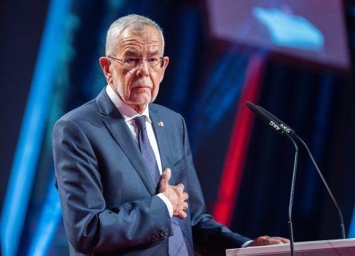 Van der Bellen wirft der ÖVP eine unzulässige Grenzüberschreitung vor.APA