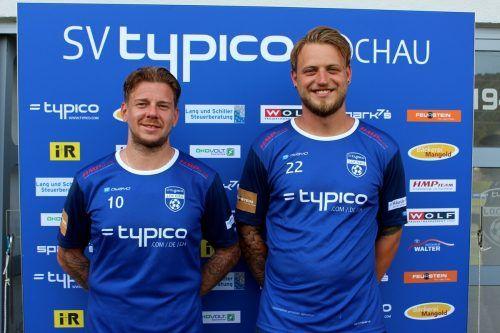Vor einem Jahr gingen die beiden Goalgetter Stefan Maccani (Nr. 10) und Julian Rupp (Nr. 22) noch gemeinsam für den SV typico Lochau erfolgreich auf Torjagd. bms