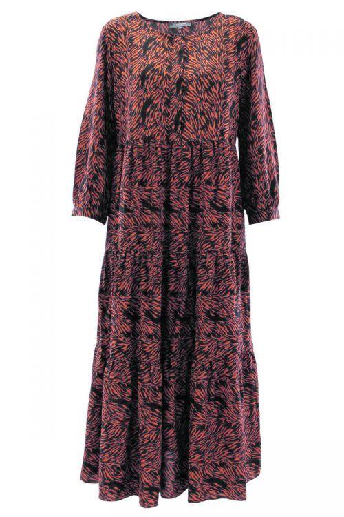 Wadenlanges Kleid mit dekorativer Knoten am Vorderteil. Bei H&M um 29,99 €.