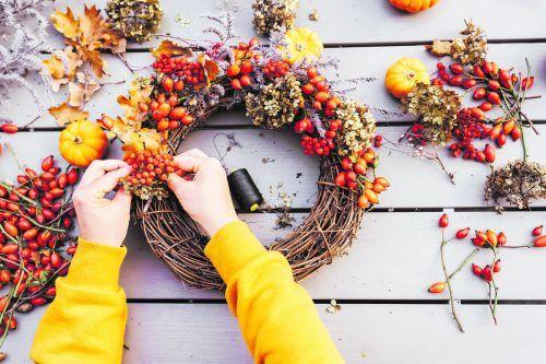 Wer Herbstdeko basteln möchte, greift am besten zu Naturmaterialien.iStock