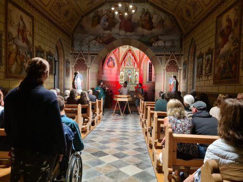 Wie im Sommer mit der Altfrentschen Besetzung, wird die St.-Michaels-Kirche zum Auftakt des Herbstprogrammes des Mesnerstübles in Rankweil wieder zur Bühne. Verein
